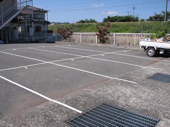 駐車場のライン引き